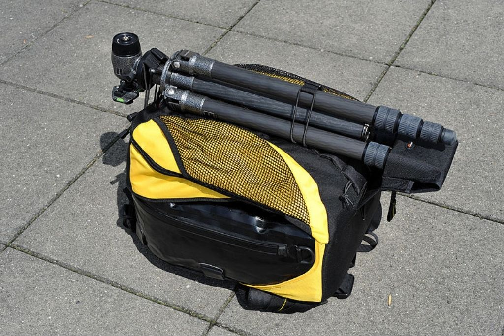 How to attach a Tripod to your Backpack-featured image