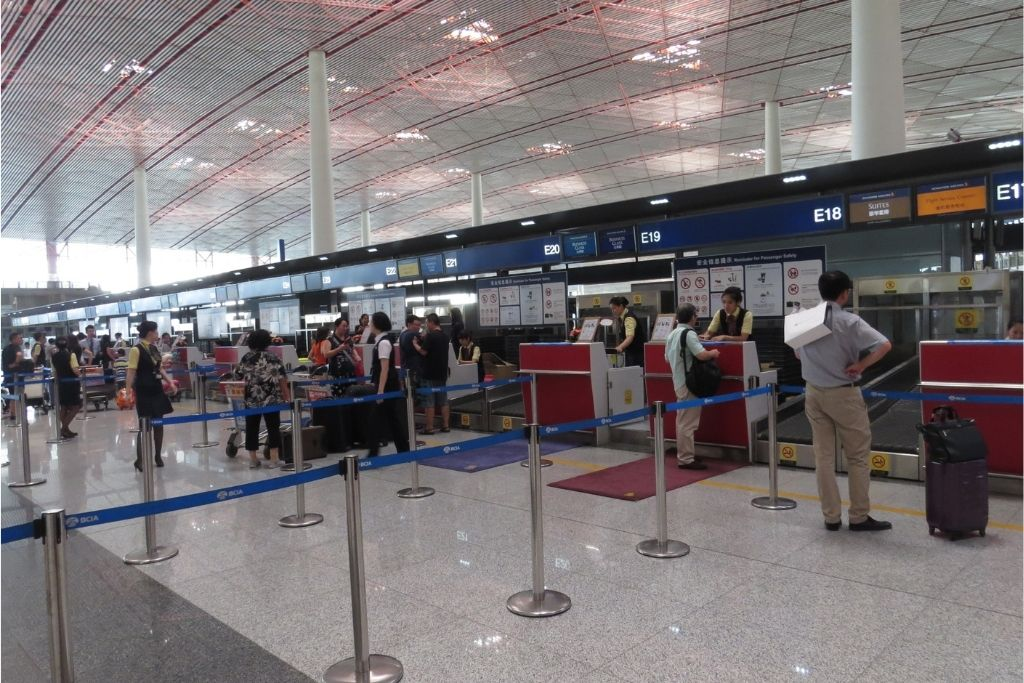 check-in counter Image